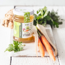 Pure vegetable broth – prepared from fresh vegetables