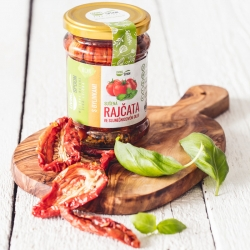 Dried tomatoes with herbs – quality selection